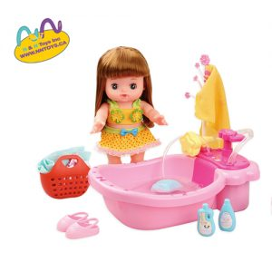 Lovely girl doll with a pink bathtub, press the button the sprayer will spray water, squeeze the sponge to make bubbles